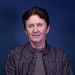 Dr. Thomas Reynolds